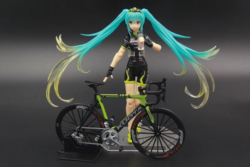 13.5cm Japanese anime figure MaxFactory figma 307 bicycle miku action figure collectible model toys for boys hatsune miku ride bicycle figma 307 racing miku 2015 teaomukyo support ver pvc figure collectible toy 15cm kt4009