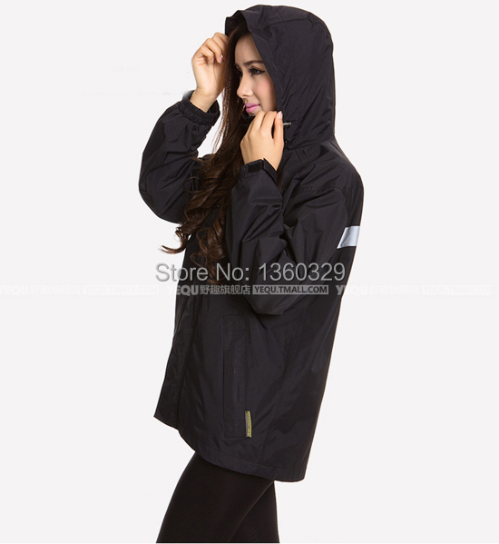 Fashion burberry_ men Women Hooded Raincoat Lightweight Breathable Outdoor Rain Jacket Dark Blue Motorcycle Rainwear Waterproof