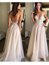 Charming A Line V Neck Spaghetti Straps Backless Tulle  Lace Wedding Dresses with Applique Beach