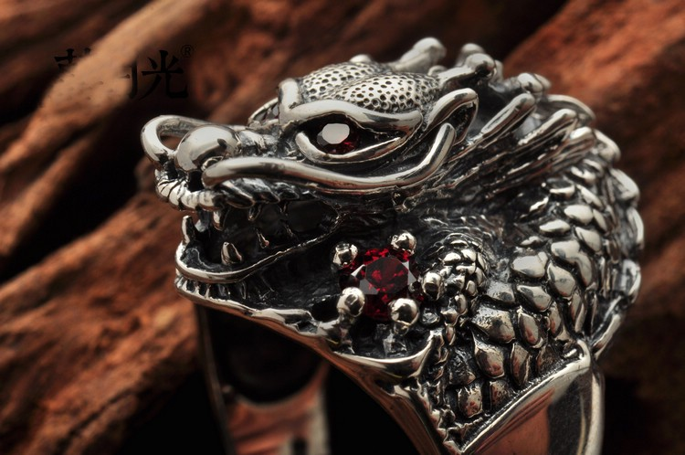 Edgy 925 Sterling Silver Red Eyes Dragon Ring