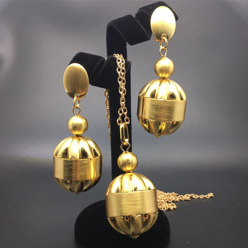 F Y Temperament Exaggerates Small bell Earring Jewelry sets Design Nigeria Wedding Jewelry Suit Fashion for African Women in Jewelry Sets from Jewelry Accessories