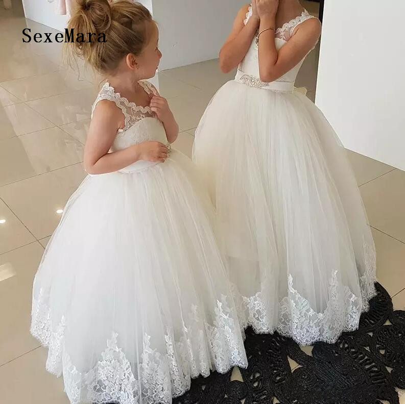купить White Lace 2019 Flower Girl Dresses For Weddings with Sash Puffy Tulle Lace Little Girls Birthday Gown First Communion Dresses онлайн