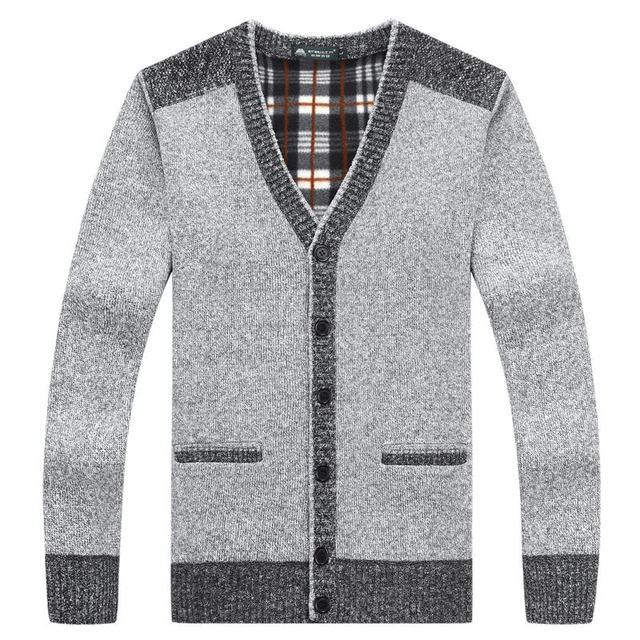 e2394faa5126 2017 neue Herren pullover strickjacken Einfachen stil baumwolle stricken  frühling herbst winter pullover mantel männlichen v