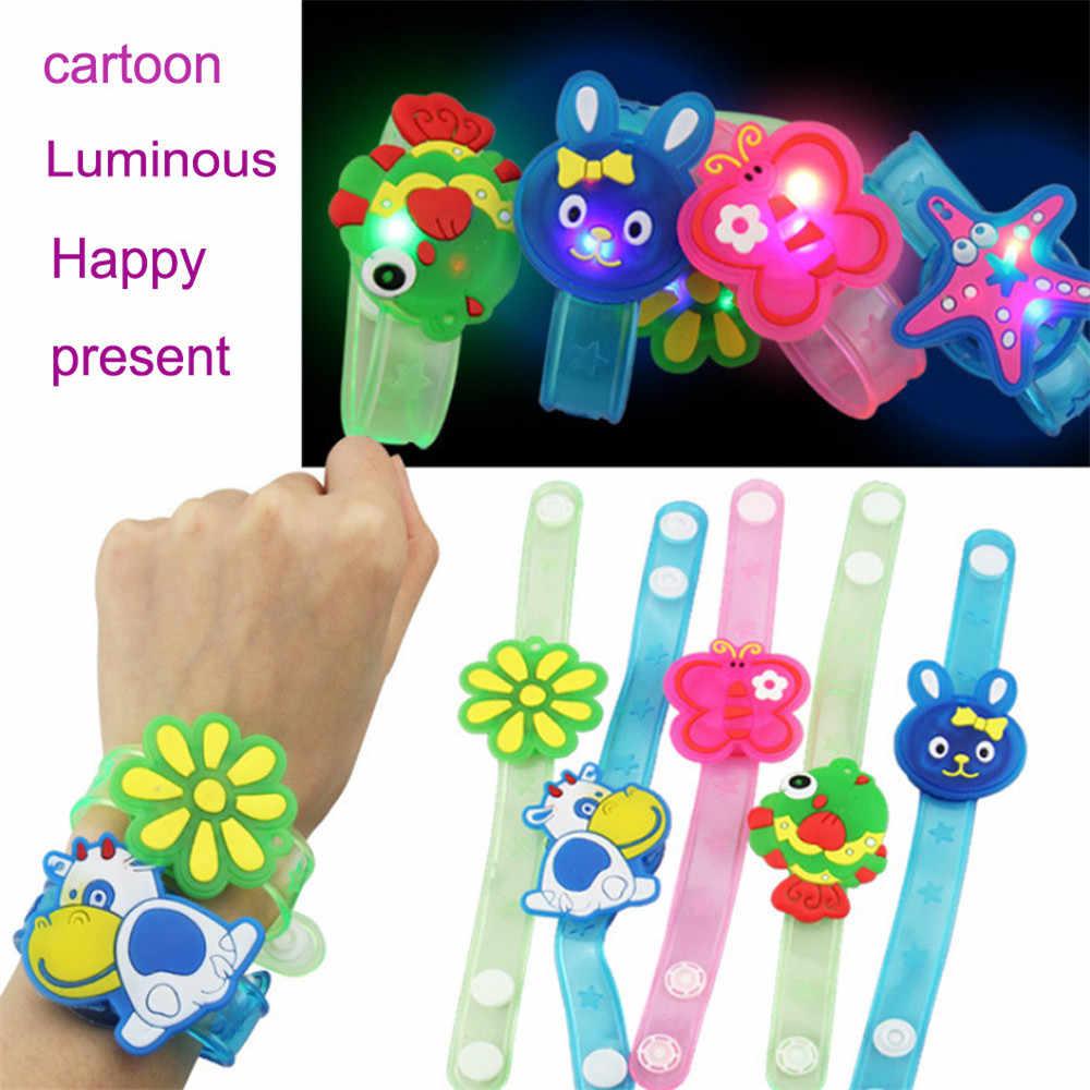 2018 Multicolor Lampu Flash Mainan Pergelangan Tangan Mengambil Tari Pesta Kualitas Tinggi Makan Malam Pesta Hadiah untuk Anak Acak LED Colorlamps cahaya
