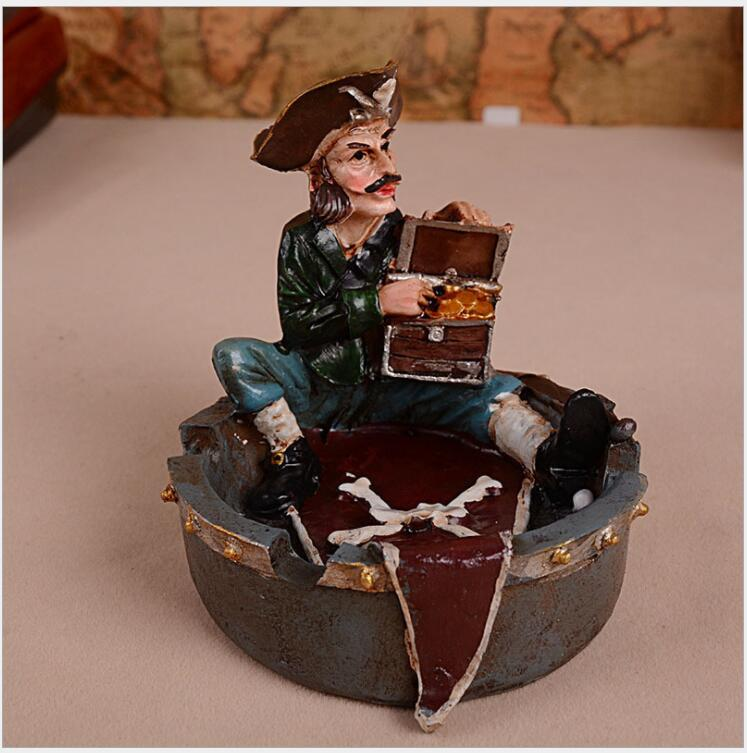 Retro Mediterranean Style Ashtray, Pirate Sailor Ashtray, Creative Gift, Resin Crafts for Home Office Decor, A63