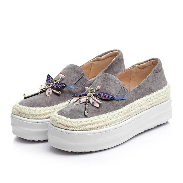 Big Size Women Platform Loafers Crystal Genuine Leather High Quality Pointed Toe Flats Shoes For Women Slipony Women Rhinestone
