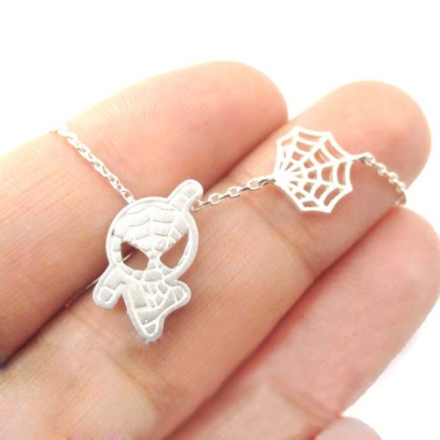 Daisies Spider Man & Web Shaped Charm Pendant Necklace Super Heroes For Women Statement Jewelry collier femme One Piece