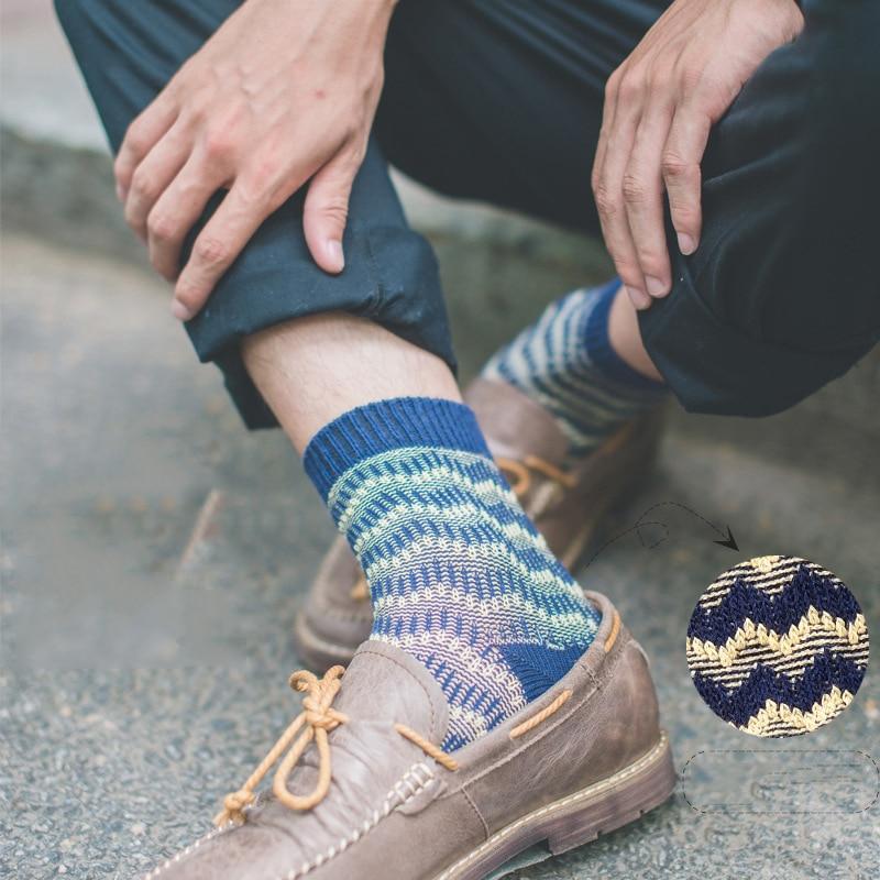 Casual Men Dress Socks Chromatic Striped Cotton Colorful Fashion Socks Designer Style Winter Thick line Warm Short Flame Socks