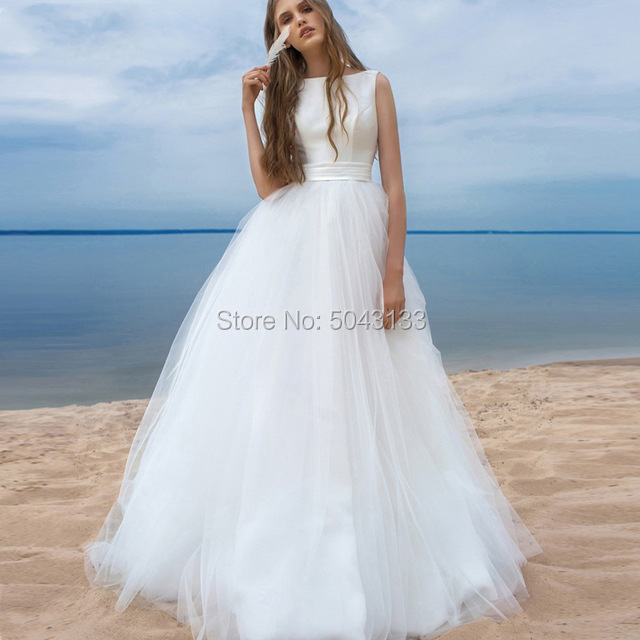 Elegant Scoop Neck Wedding Dresses 2020 Off Shoulder Classic Tulle Open Back Beach Wedding Gowns Floor Length Vestidos de Noiva