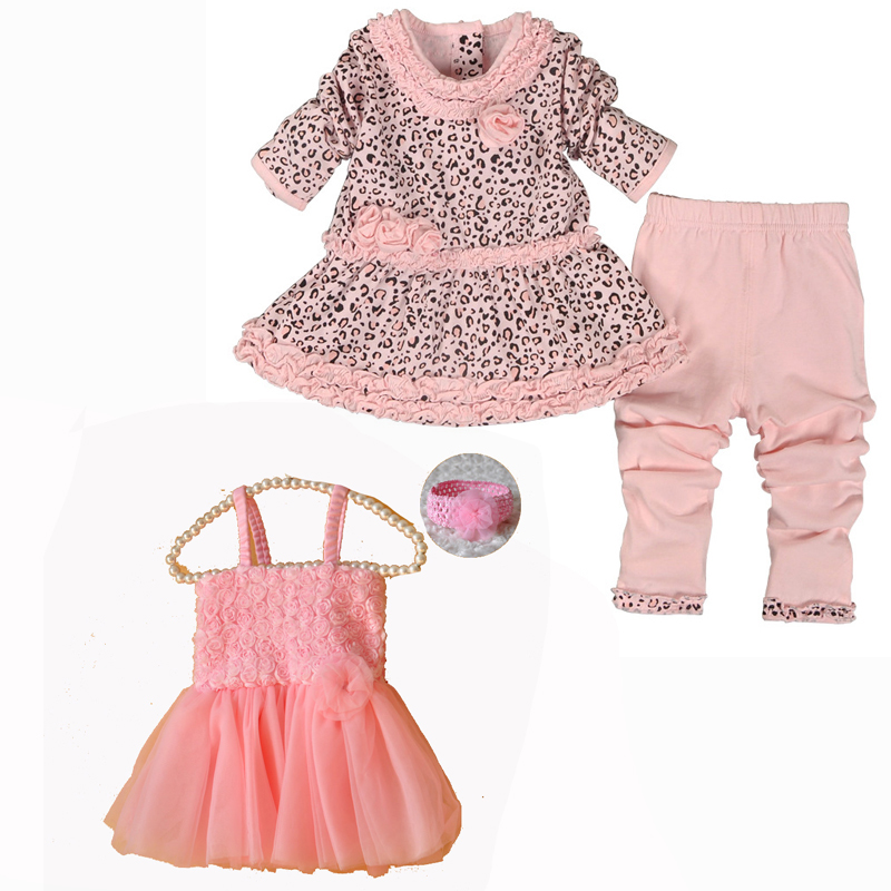 Little English is proud to design and manufacture high quality, classic children's clothing and gifts for boys and girls sizes NB Each garment is sewn with love and attention to detail at sewing facilities throughout Central and South America.