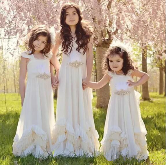 Pretty Backless Flower Girls Dresses For Summer Boho Weddings Sleeveless First Communion Dress Floor Length Pageant Gown