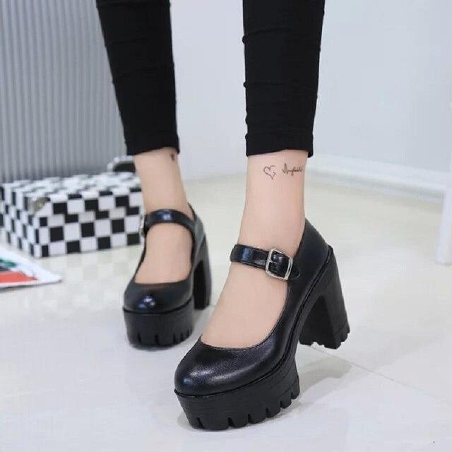 40bd8fd3562e Новинка весны 2017 г. круглый носок высокие с туфли принцессы Лолиты  толстые непромокаемые стол слово