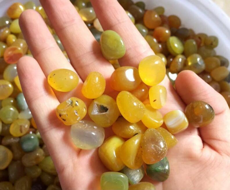 amarillo piedra de gata de piedras preciosas en bruto para el llenador del florero dispersin