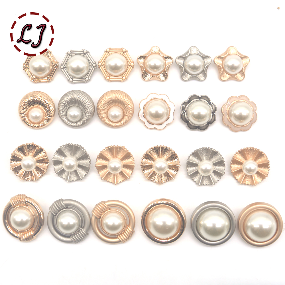 New 6 pce Round 2 cm Shank Black//Silver White//Gold Cardigan Dress Craft Buttons
