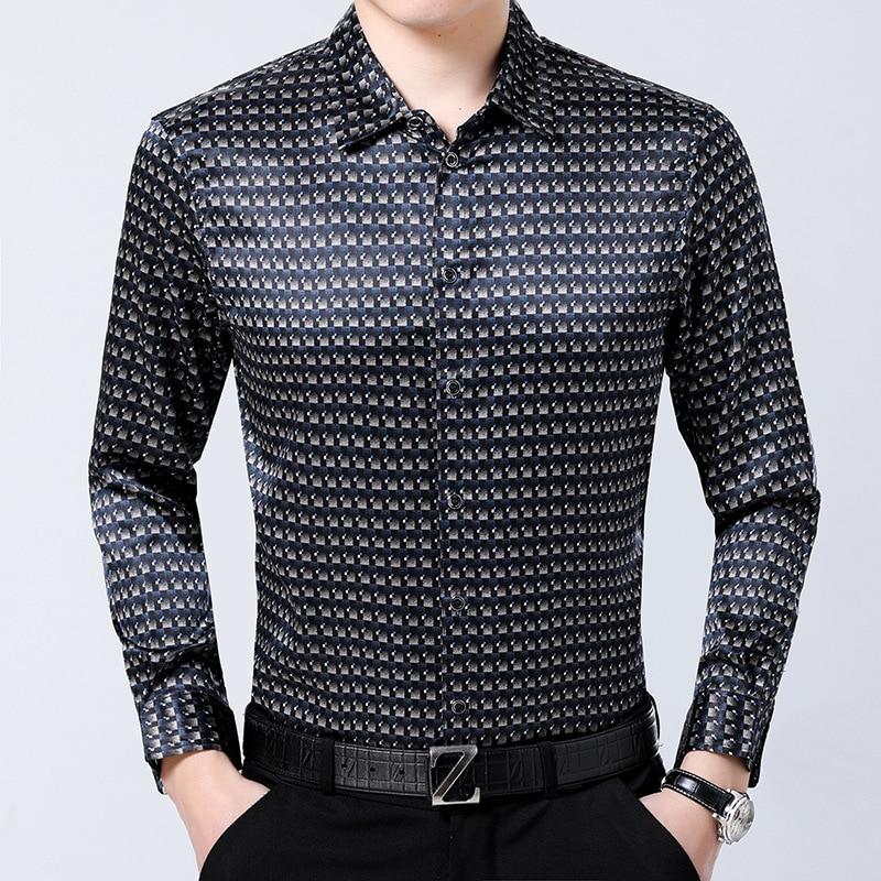 La nouvelle chemise en soie à manches longues pour hommes