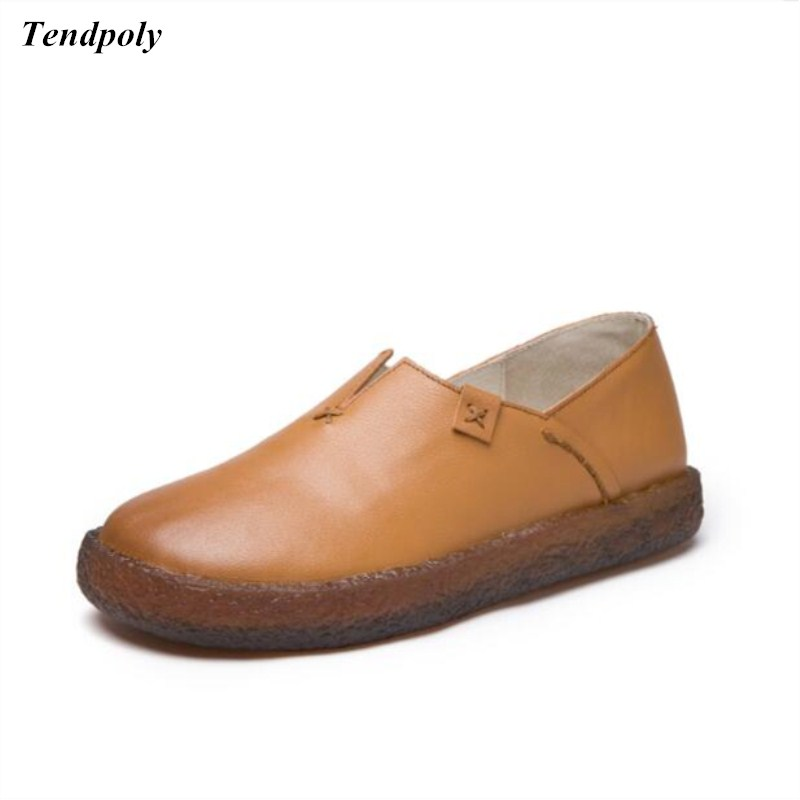 Spring autumn 2018 new round flat with women's shoes and leisure Flat shoes are shallow mouth of low all-match leather Cowhide 2017 spring and summer new leather men leisure low to help peas shoes soft and comfortable sets of feet driving shoes