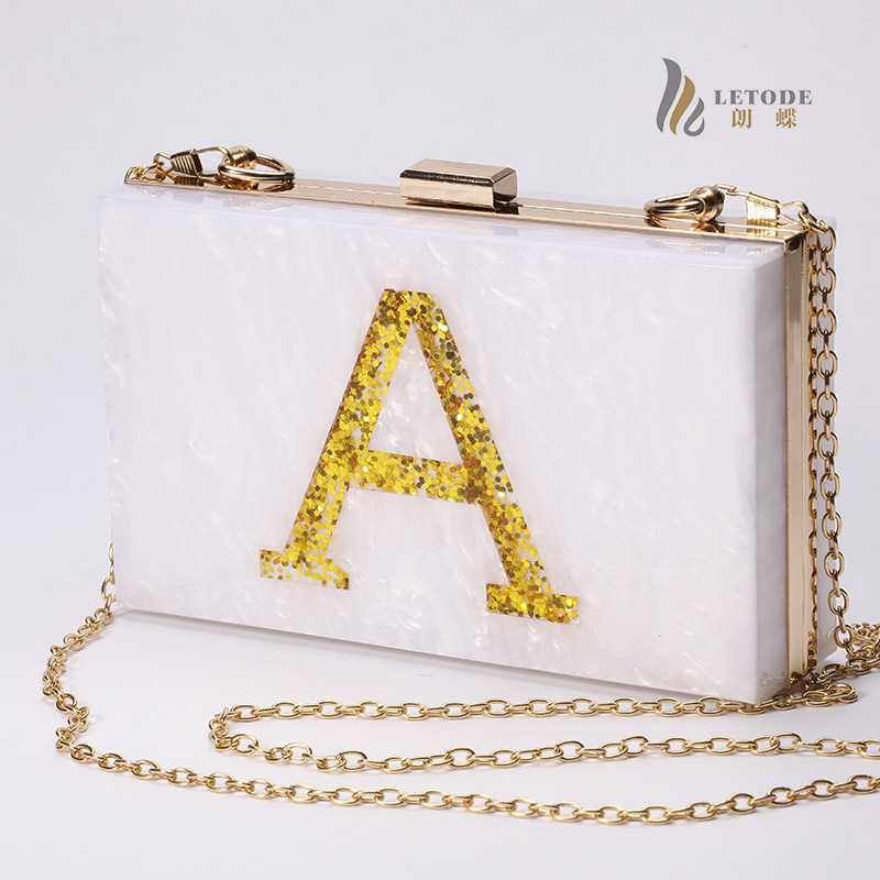 цены Gold Letter Print Shiny Acrylic Evening Clutch Box Bag For Women Wedding Party Fashion Handbags Chain Shoulder Bag Messenger Bag