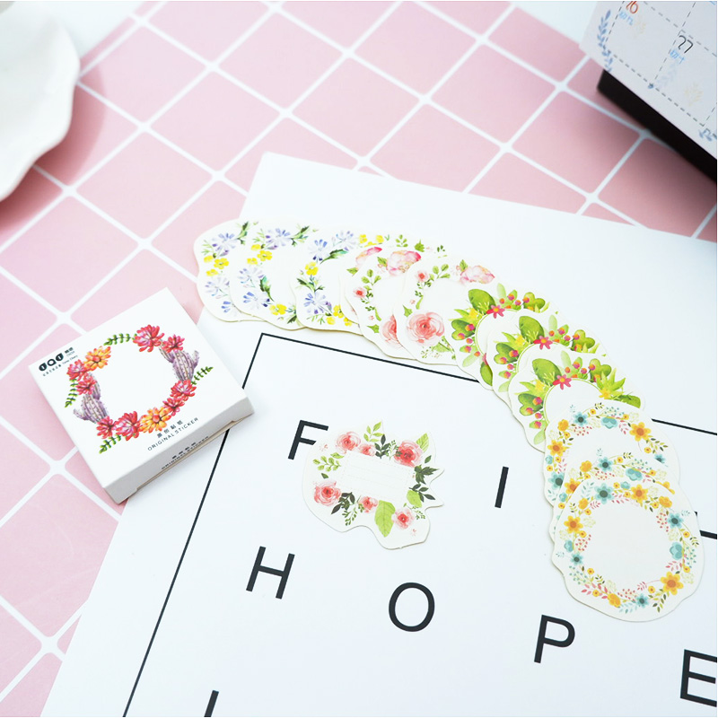45 MINI WREATH STICKERS-FLORAL//FOWER SCRAPBOOKING EMBELLISHMENTS-STICKY LABELS