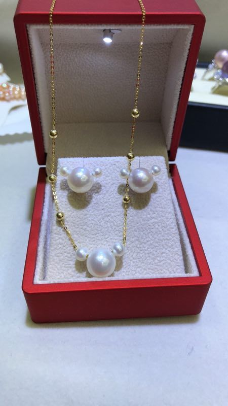 NEW DESIGN SOUTH SEA WHITE PEARL NECKLACE &earring 18kNEW DESIGN SOUTH SEA WHITE PEARL NECKLACE &earring 18k