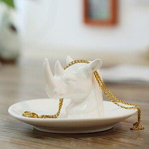 Image 2 - Nordic เซรามิคเครื่องประดับต่างหูแผ่นแผ่นดิสก์สัตว์ตกแต่งบ้าน home decor ยูนิคอร์นแรดสีขาวสดใส