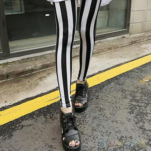 Hot Fashion Black White Vertical Striped   Leggings   Pants Women 8MTG