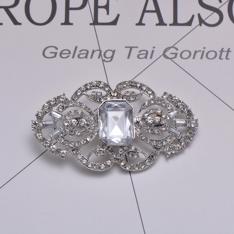 M0438 50pcs lot 65mmX37mm metal rhinestone bouquet brooch nickle plating with pin at back