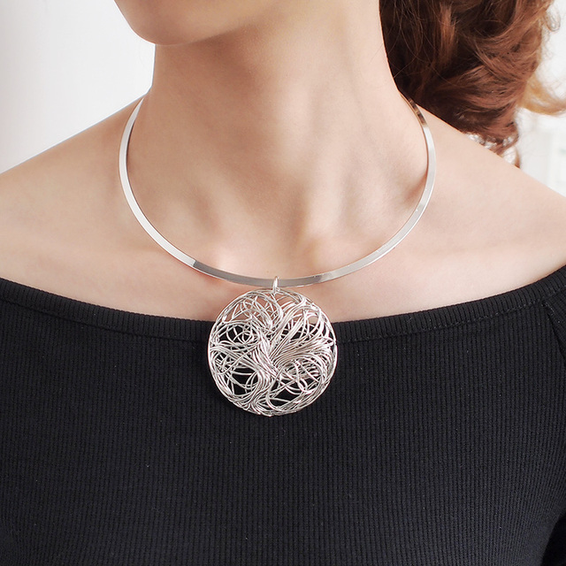 Big Metal Wire Necklaces 1