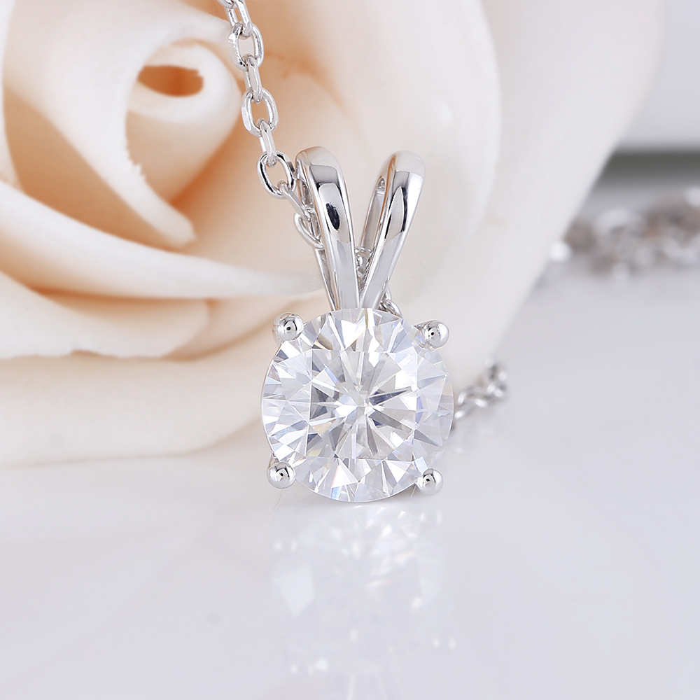DovEggs Delicate Solid 14K White Gold 8mm FG Color Moissanite Diamond Pendant For Women Hearts Arrows Cut Moissanite Pendant in Necklaces from Jewelry Accessories