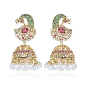 Image 1 - Pendientes de perlas Jhumka de Bollywood indias, perlas artificiales chapadas en oro, araña Jhumki de pavo real, joyería elegante de lujo para novia