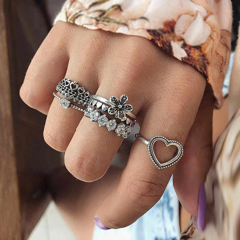 6Pcs/Set Bohemian Vintage Knuckle Rings for Women Boho Geometric Love Heart Flower Crystal Ring Set Midi Finger Ring Jewelry