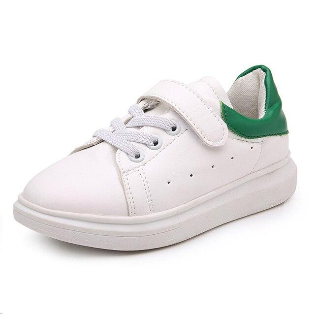 2647556a88 De los nuevos niños Coreanos Zapatos Casuales Zapatos Transpirables  Zapatillas Blancas Para Niños Y Niñas