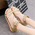 Женщины сексуальная золотой серебряный мягкие кожаные сандалии девочки-подростки свободного покроя летняя обувь горный хрусталь открытым носком квартиры клинья sandalias sandale