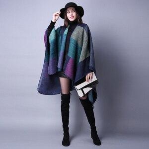 Image 4 - Yeni moda sonbahar kış kadın moda geometrik püskül düğme şal sıcak kalın büyük boy kızlar çerçeve tarzı gevşek panço