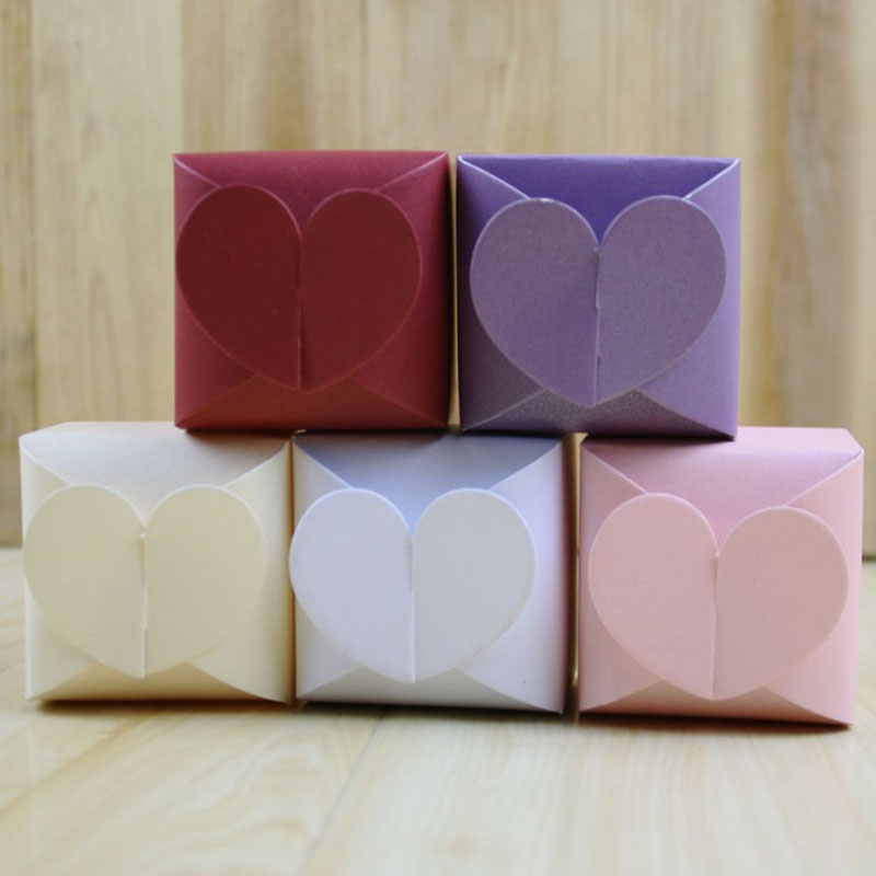 Hot Sale Wedding Cake Box 100pcs/lot Love Heart Wedding Favors Candy Box Gift Packaging Box For Wedding Guests