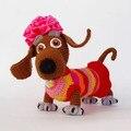 Pequeno dachshund-menina boneca de Crochê Amigurumi
