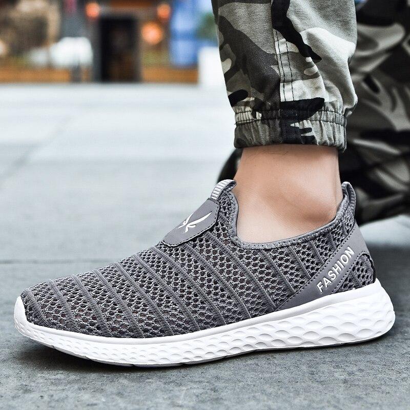 2019 nouveau été hommes Sneaker respirant chaussures de course lumière Flyknit Massage chaussures décontractées en plein air tennis de sport chaussures 36-48