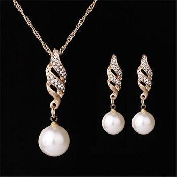 Gold rhinestone Pearls Set 1