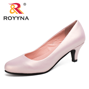 Image 1 - ROYYNA Spring Autumn New Styles Pumps Women Big Size Fashion Sexy Round Toe Sweet Colorful Soft Women Shoes Free Shipping