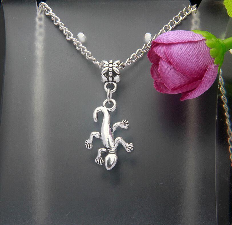 5c58df523c49 10 unids moda vintage plata Gecko animal encanto largo sección suéter Colgantes  para collar joyería resultados DIY regalo mujeres e259