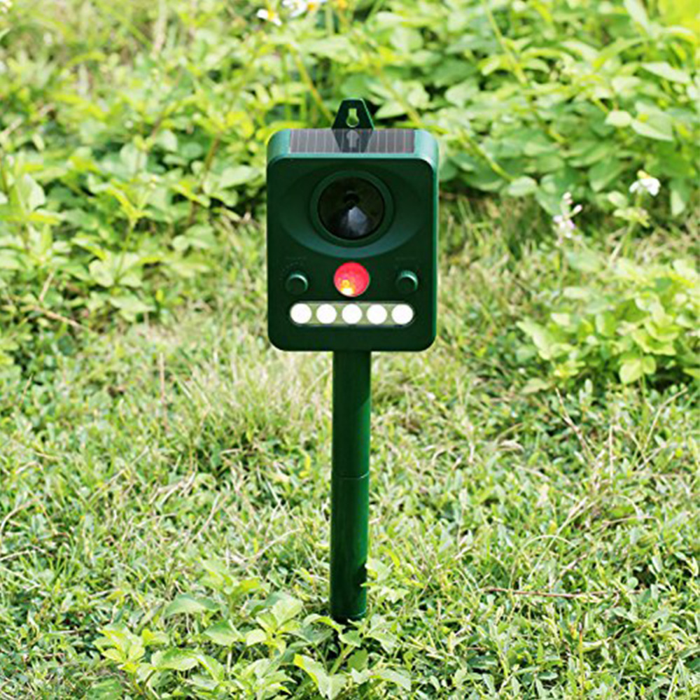 Solar Power Ultrasonic Oudoor Animal Dog Cat Repeller Motion Activated Repellent Garden Yard Pest Animal Control Rodent Repeller