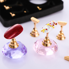 Magnetic Beauty Nail Holder Practice Training Display Stand Crystal Holders Alloy False Nail Tip DIY Showing Shelf Tools 5pcs lot showing shelf false nail tips display stand holder set gold magnetic practice holders manicure nail art salon tools