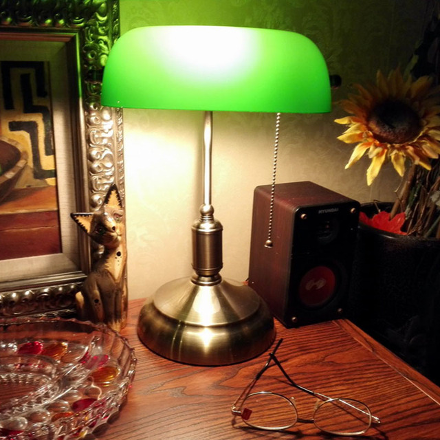 Bankers desk lamp vintage table lighting fixture green glass cover shade birch wood base antique adjustable articulatingl cord