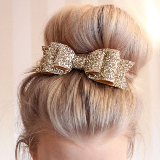 Brokatowa kokarda na włosy
