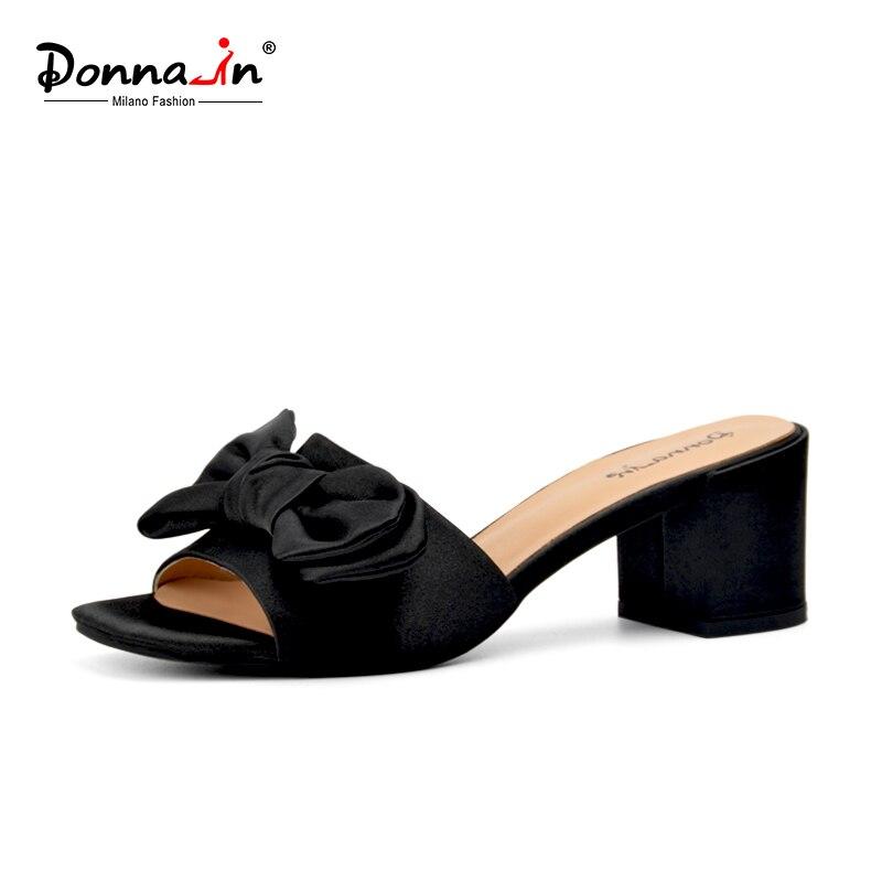Donna in Summer 2019 New Beach Flip Flops Women Thick High Heels Slippers Black Pink Silk
