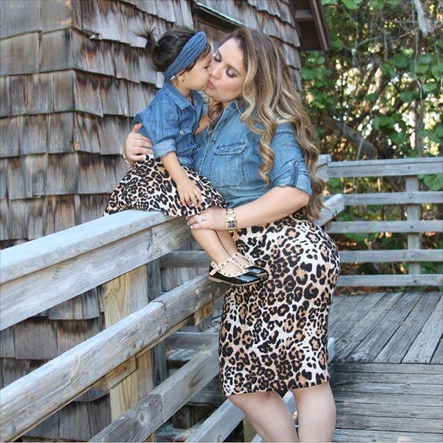 2017 Hot Selling Mother And Daughter Dress Summer Denim T-shirt Tops+Leopard Skirt Woman Clothes Toddler Kids 3PCS Set