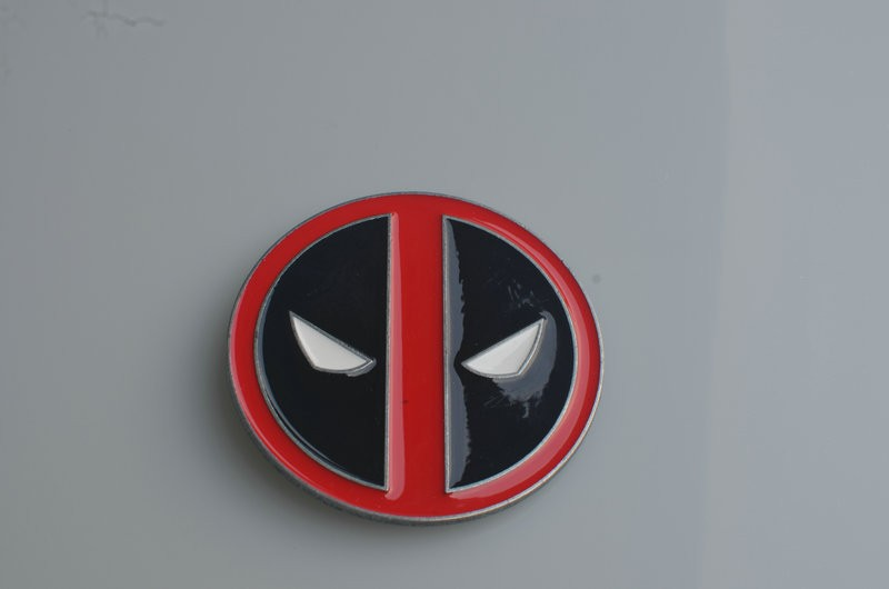 100pcs/lot New Arrival Hot Selling Cool Red Fashion Deadpool belt buckle Classic Men's Metal Belt Buckle Cosplay