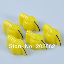 лучшая цена Free Shipping 50PCS Chicken Head Knob for Effect Bass Pedal Amplifier Yellow