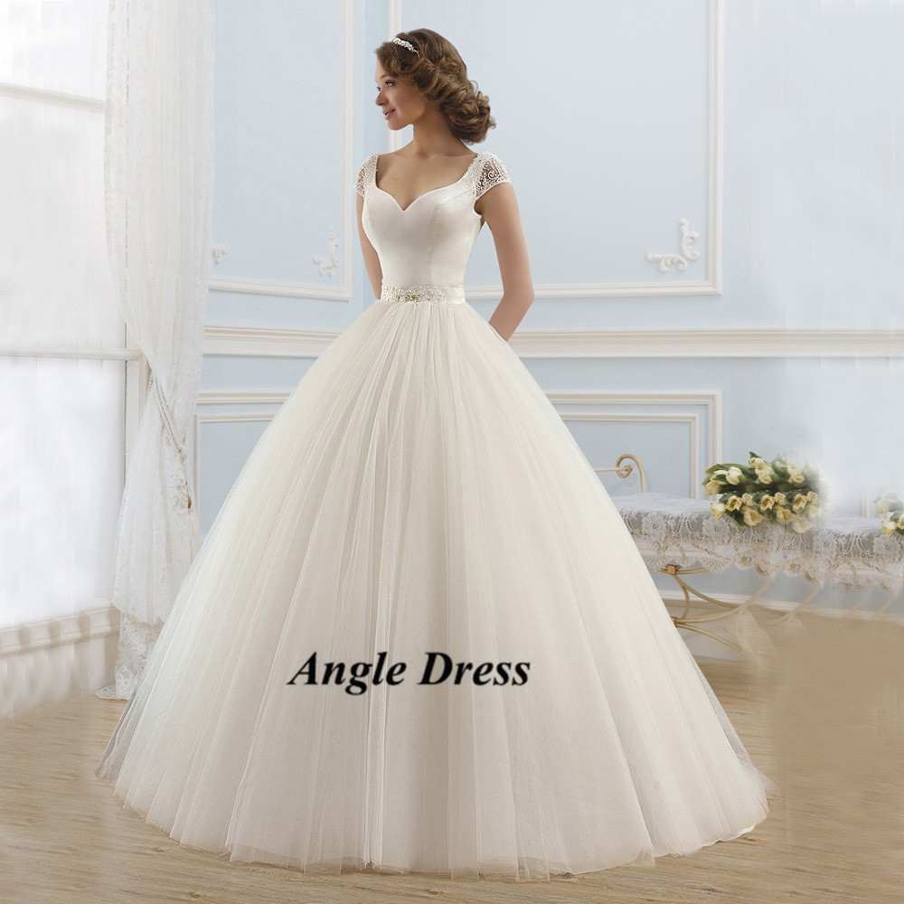 Simple white vintage ball gown wedding dresses cap sleeve for Vintage backless wedding dresses