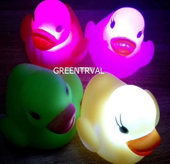 2pcs/lot Rubber Duck Bath Flashing Light Toy Auto Color Changing Baby Bathroom Toys Multi Color LED Lamp Bath Toys For Children
