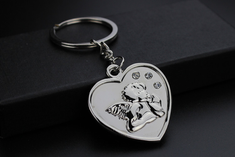 FREE SHIPPING BY DHL 50pcs lot New Metal Heart Shaped Keychains Zinc Alloy Angel Keyrings for